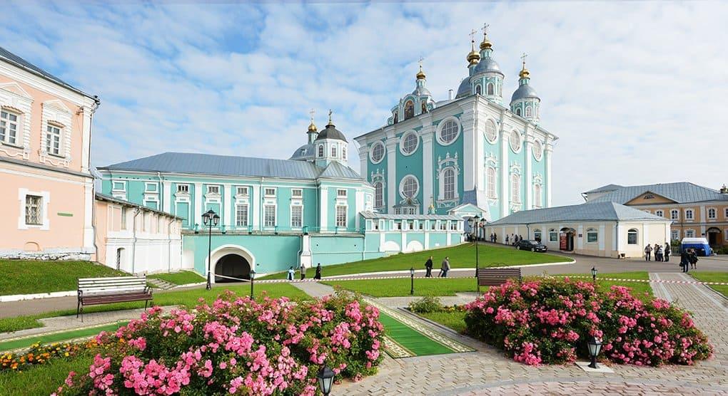 Свято-Успенский собор Смоленска передали Церкви
