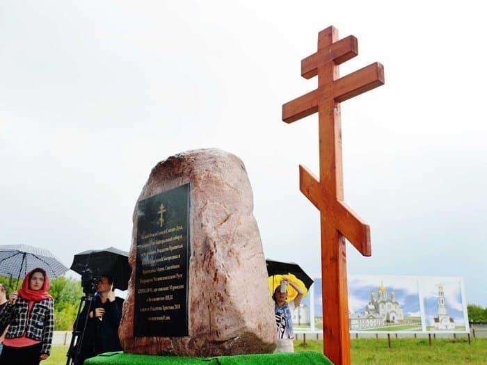 Патриарх Кирилл освятил закладной камень главного собора Мурома