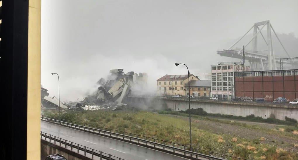 Десятки людей погибли при обрушении моста в Генуе, - СМИ