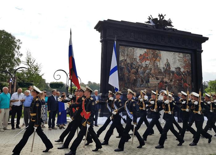 Триумфу Российского флота посвятили масштабное панно в Кронштадте