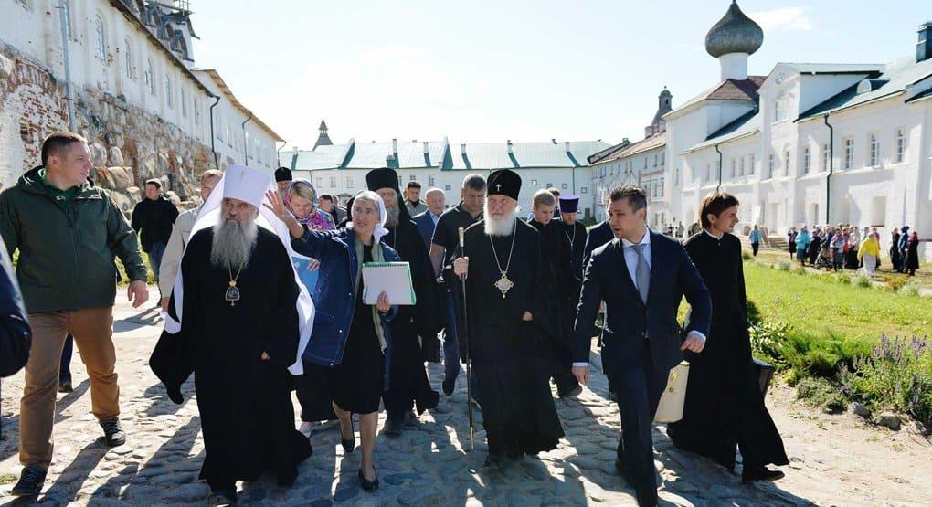 Аэродром на Соловках не должен разрушить их экологию и культурный облик, - Патриарх