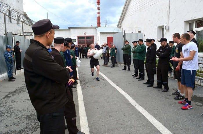 Екатеринбургская епархия помогла заключенным посоревноваться в силовом экстриме