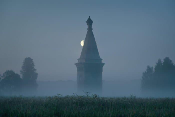 Лето на Севере: деревянные храмы и изумительные пейзажи в объективе Михаила Прохорова