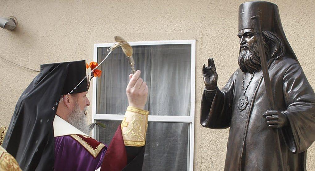 Памятник святителю Иоанну Шанхайскому установили в Сан-Франциско