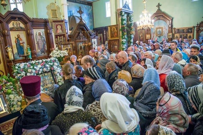 Верующие Латвии смогли поклониться Курской-Коренной иконе