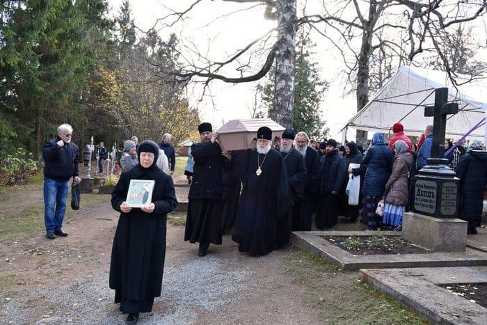 К ней шли со всей Эстонии: обретены мощи блаженной Екатерины Пюхтицкой