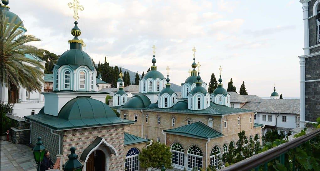 Мирянам Русской Церкви можно причащаться в Свято-Пантелеимоновом монастыре на Афоне