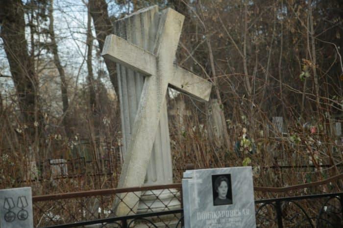 Уральских семинаристов сводили на кладбище: необычная экскурсия прошла в Екатеринбурге