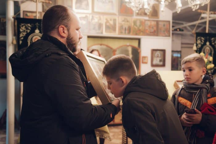 Астраханский храм Святой Живоначальной Троицы посетили особые дети