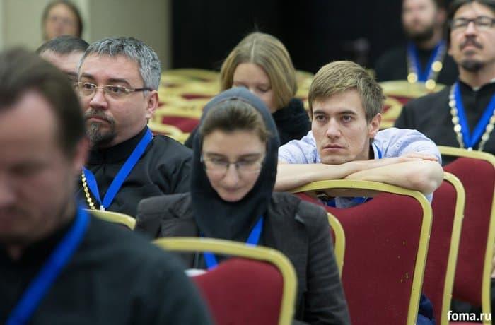 На «Вере и слове» рассказали, что власти Киева хотят передать раскольникам храмы канонической Церкви