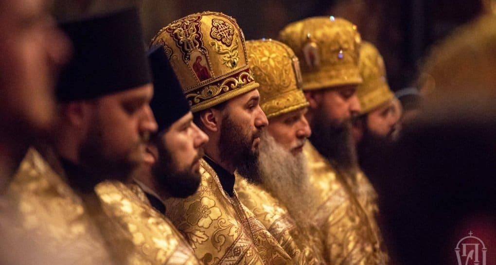 Синод Украинской Церкви заявил о давлении на епископов со стороны властей
