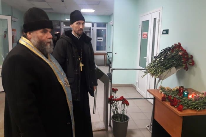 В Соликамске молятся о погибших на шахте горняках