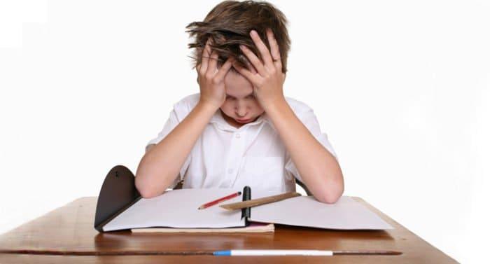 Завалы по школьной учебе: что делать родителям