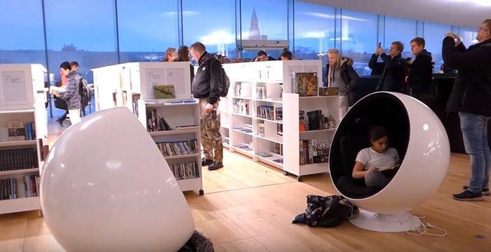 В Финляндии открыли уникальную библиотеку, в которую в первый же день выстроилась очередь