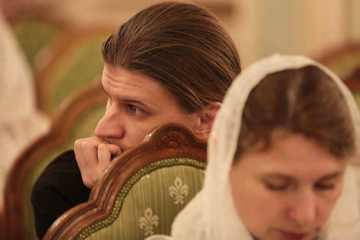 Рубрика «Вопросы священнику» на сайте журнала «Фома» помогает людям прийти в Церковь, - отметили на Рождественских чтениях
