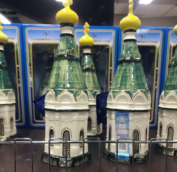 В Красноярской епархии возмущены бутылками водки в виде часовни