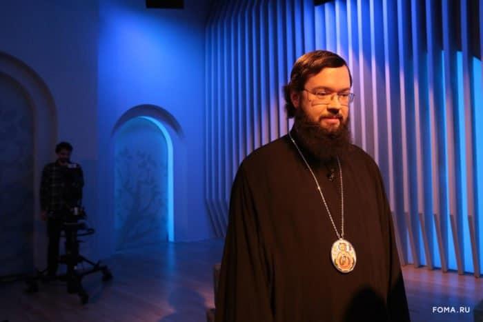 Любовь кБогу икближнему— два крыла, которые должны нести человека вЦарство Небесное,— архиепископ Антоний (Венский иБудапештский)