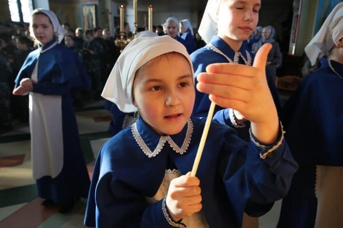 Дети читают канон Андрея Критского