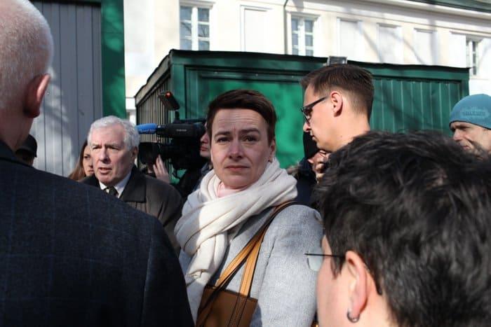 Депутаты из Берлина посетили «Ангар спасения», особо отметив его парикмахерскую