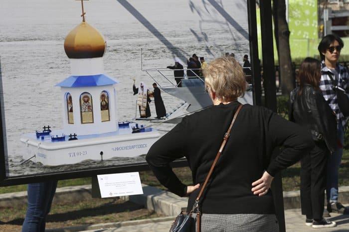 Фотовыставка об архитектуре русских храмов проходит на Тверском бульваре
