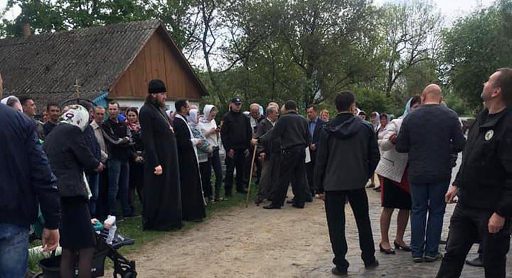 На Ровенщине раскольники продолжают захватывать храмы канонической Церкви
