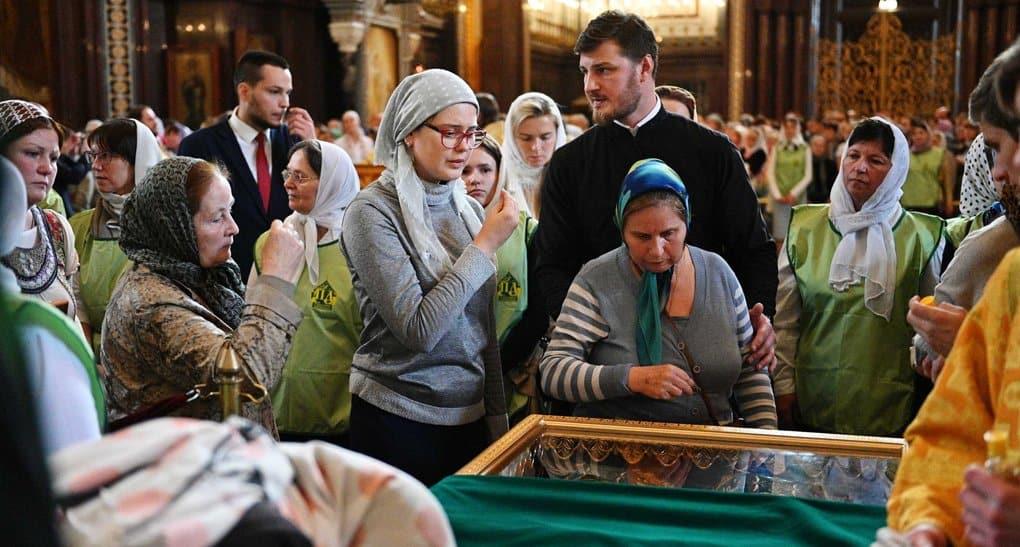 За три дня мощам Петра и Февронии в Москве поклонились почти 18 тысяч человек