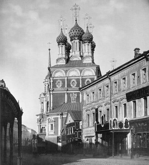 На столичной Ильинке обозначат контуры фундамента храма, снесенного в 1933 году