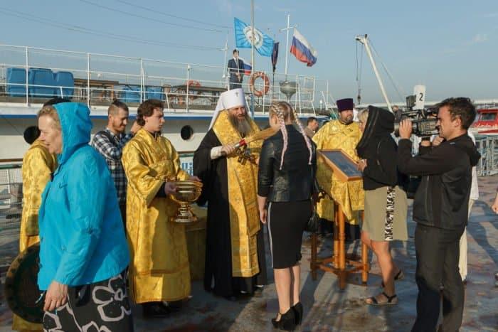 Корабль-церковь поплыл к новосибирским селам, где «люди годами не видят священника»