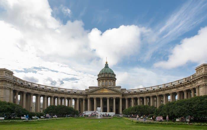 В Петербурге освятили восстановленный храм, который век назад создал священномученик Вениамин Петроградский