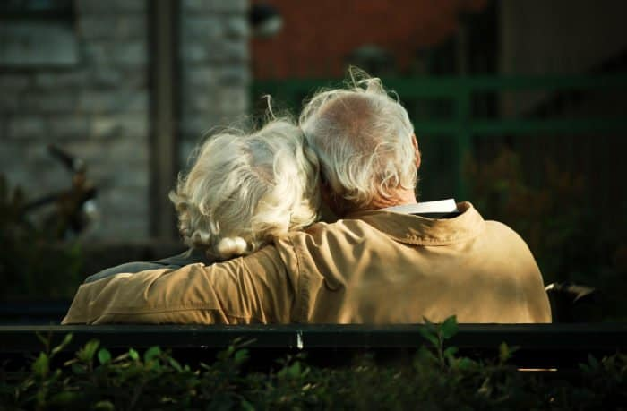 Мне стало скучно с мужем /женой. Можно ли воскресить мертвую любовь? — отвечает священник