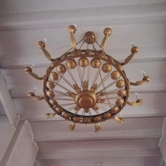 Храму XVIII века в Кинешме нужны паникадила, чтобы службы не проходили в сумраке!