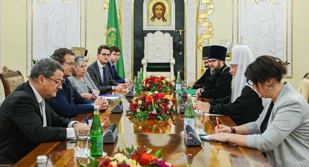 Патриарх Кирилл и глава Совета кантонов Швейцарии согласились, что светское государство не должно отрицать христианские ...