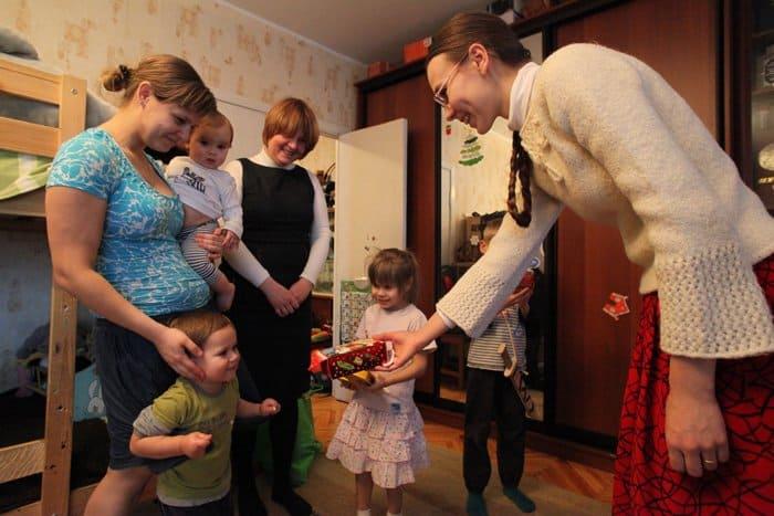 Служба «Милосердие» начала акцию «Дари радость на Рождество» по сбору подарков для нуждающихся