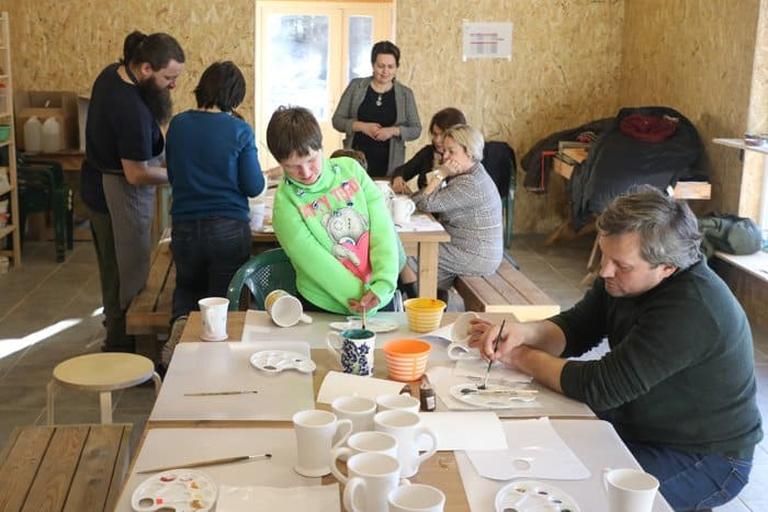 Гончарное раздолье под Петербургом для людей с ограниченными возможностями