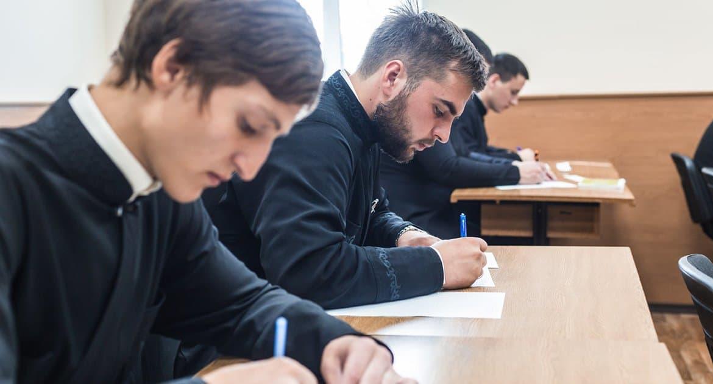 В России выпускников зарубежных духовных школ могут обязать проходить аттестацию