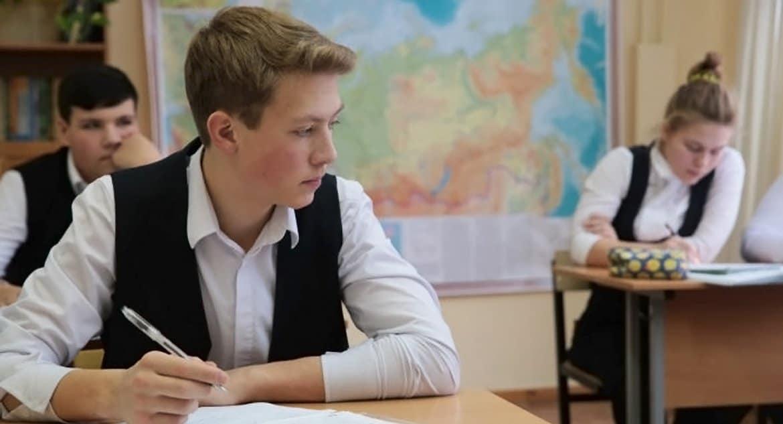 Российских школьников переведут на дистанционное обучение до 12 апреля