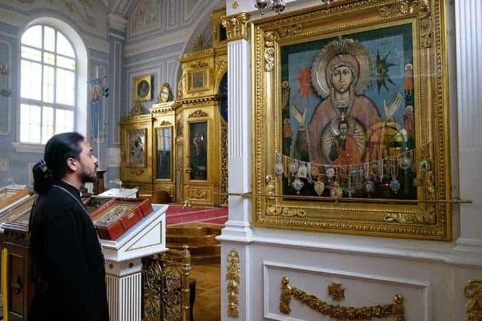 «Распускают слухи, что за переход в православие я предлагаю людям деньги» — суровые будни единственного местного священника Русской Церкви в Индии