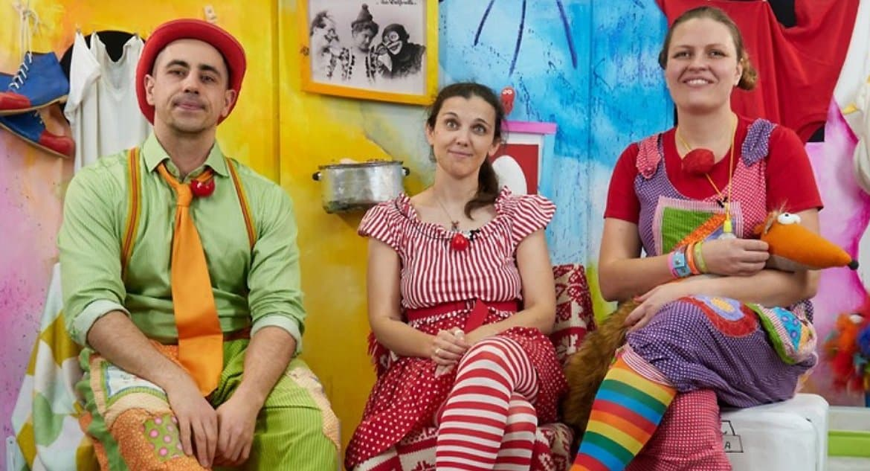 Петербургские больничные клоуны поддерживают детей в режиме онлайн