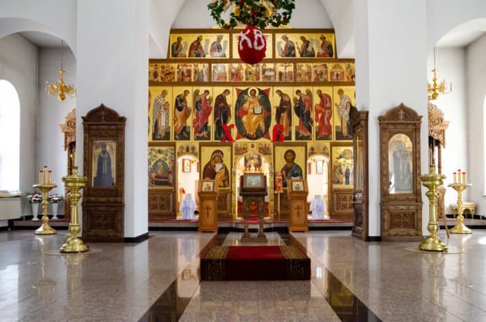 В день Пасхи в Нарымском крае состоялся автомобильный крестный ход