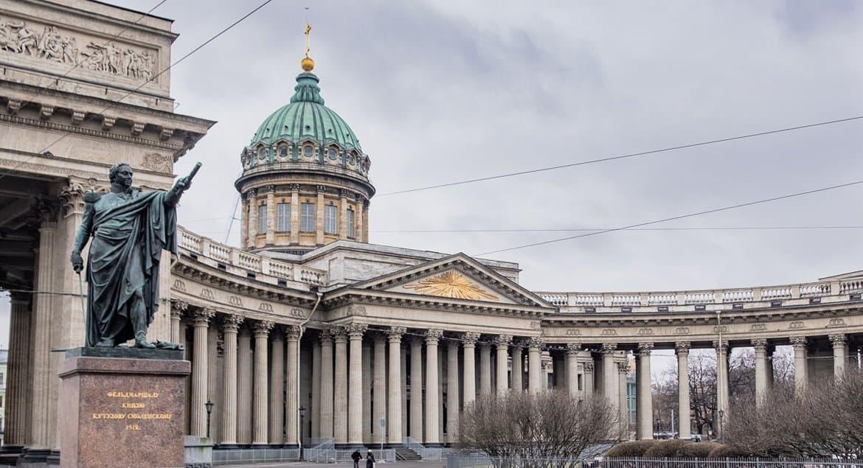 Прихожане Петербурга не смогут посещать храмы на Страстной седмице и на Пасху
