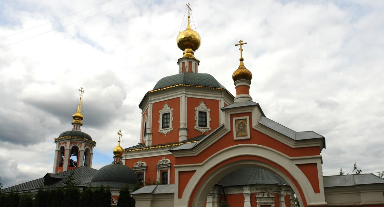 На подворье Сергиевой лавры в Москве скорбят в связи с трагической кончиной послушника