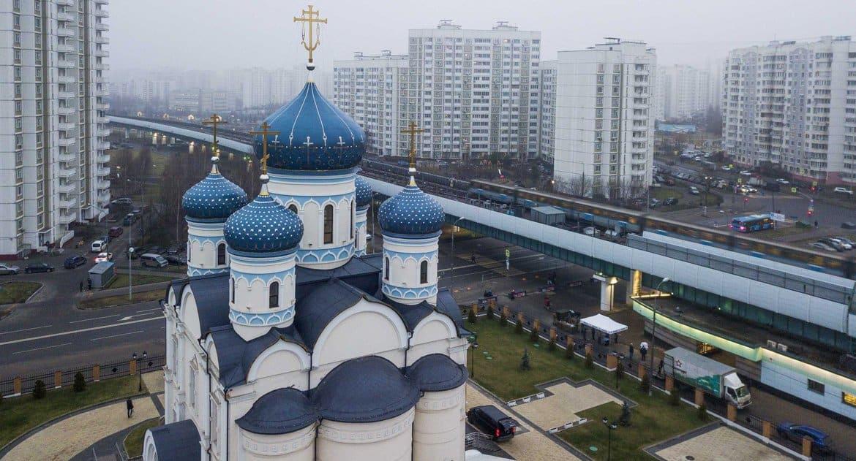 Верующие Москвы и области не смогут посещать храмы до 28 апреля