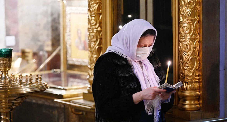 «Ведь раньше во время эпидемий все в храм шли!» — епископ-вирусолог отвечает на возмущенные комментарии про коронавирус