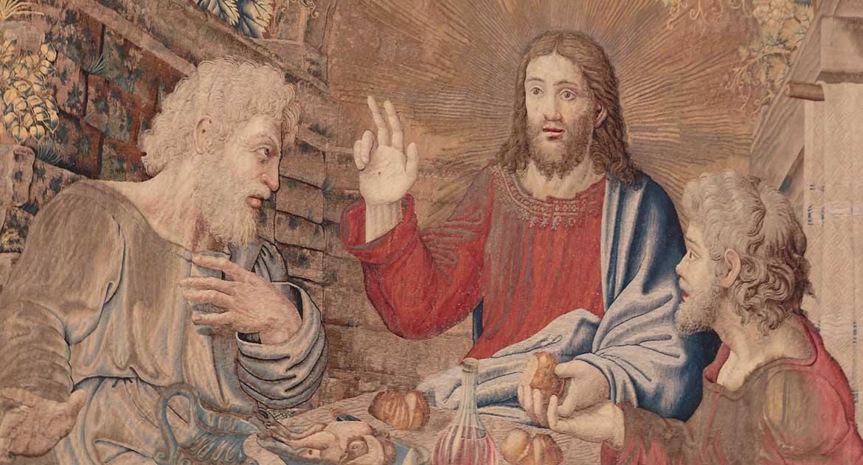 Почему миряне благословляют троеперстием, а священники двумя перстами?