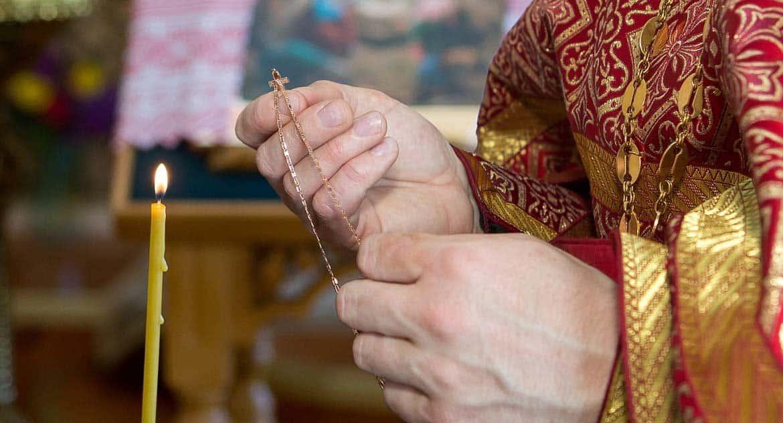 Можно ли носить крестик на цепочке?