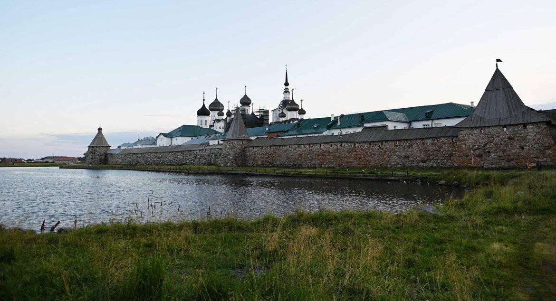 Патриарх Кирилл отменил визит на Соловки из-за заражения ковидом наместника монастыря