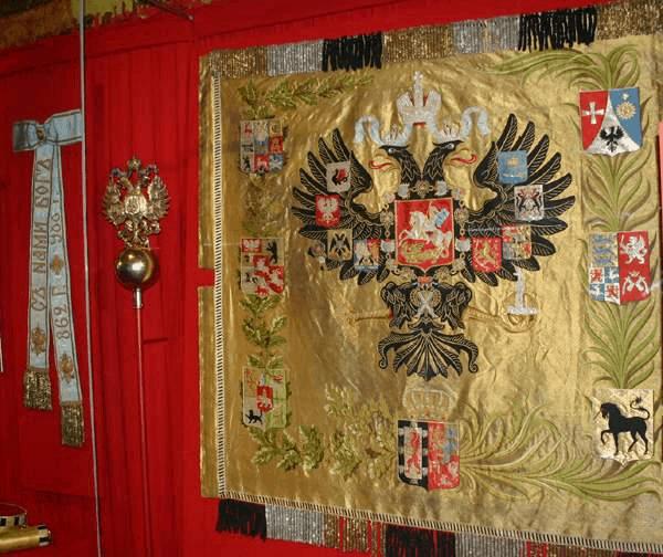 История русского флага: что было до триколора?
