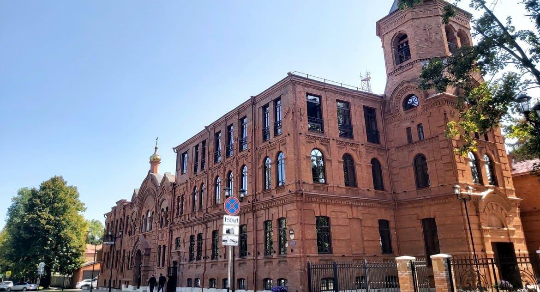 Во Владикавказе восстановили Архиерейскую резиденцию с храмом XIX века