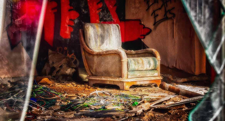 Как очистить квартиру после суицида?