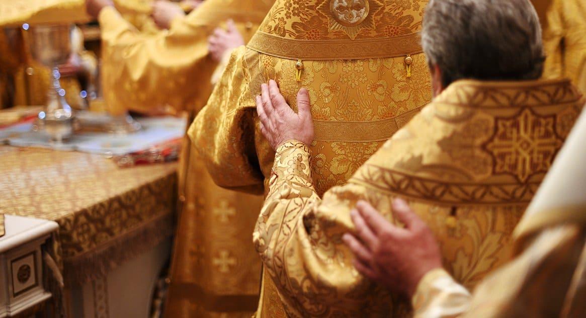 Впервые за многие годы в Москве снизилось число священнослужителей